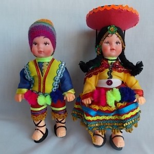 peruviann doll plastic small pair