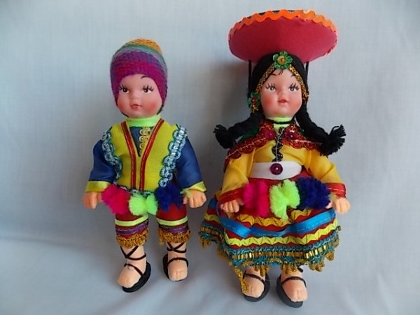 peruviann doll plastic small pair