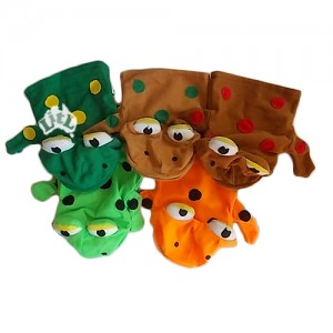 five speckled frogs hand puppets