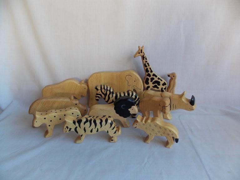 smooth edge wooden wild animal blocks